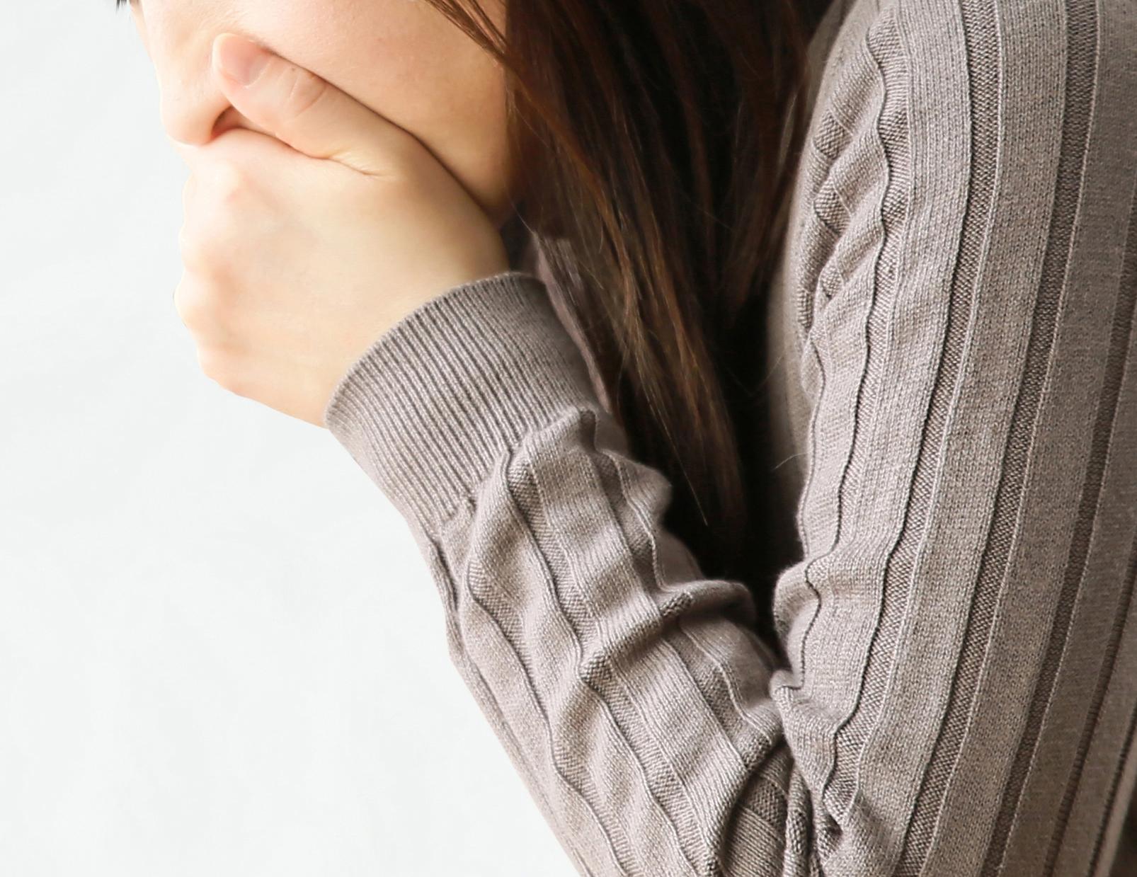 生理前の扁桃腺の腫れ・痛みについて