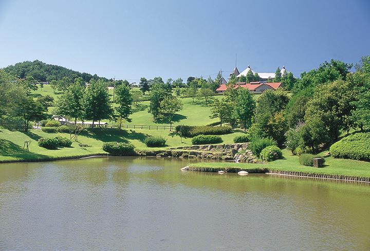 緑いっぱいの自然の中、避暑地気分が味わえる三瀬村